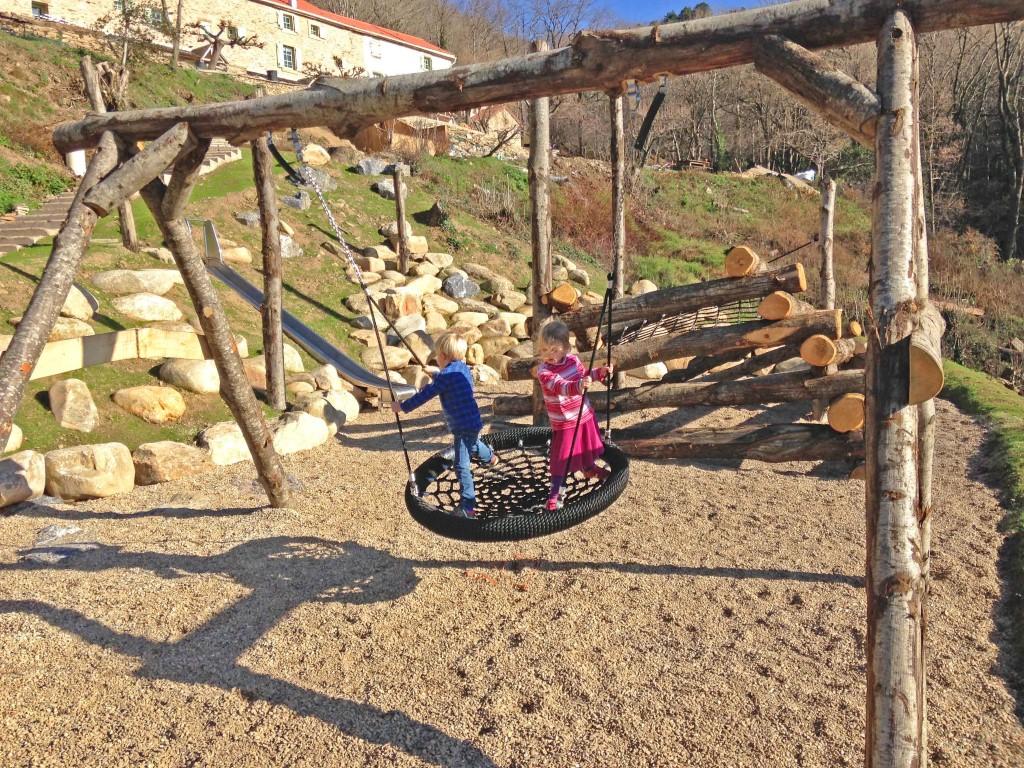 10 Playground (Medium)